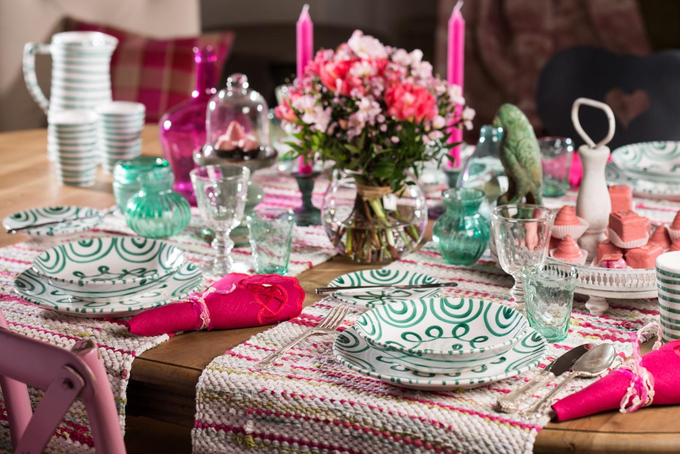 Gmundner Keramik grün geflammtt gedeckter Tisch